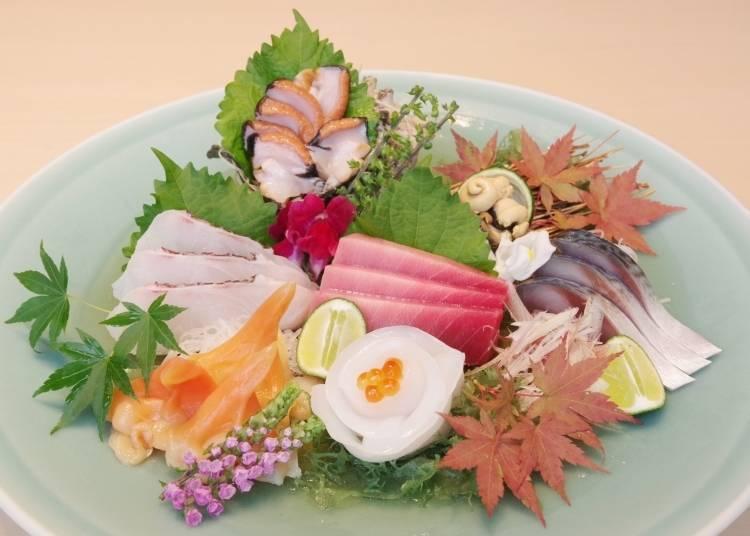 "The concept of sashimi evolves with the proud ""Six Sashimi Assortment"""