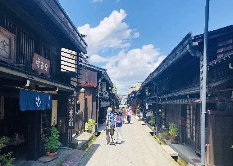 【인기 관광 명소 3】다카야마 관광에서 빼놓을 수 없는 대표적인 명소 '산마치도리'