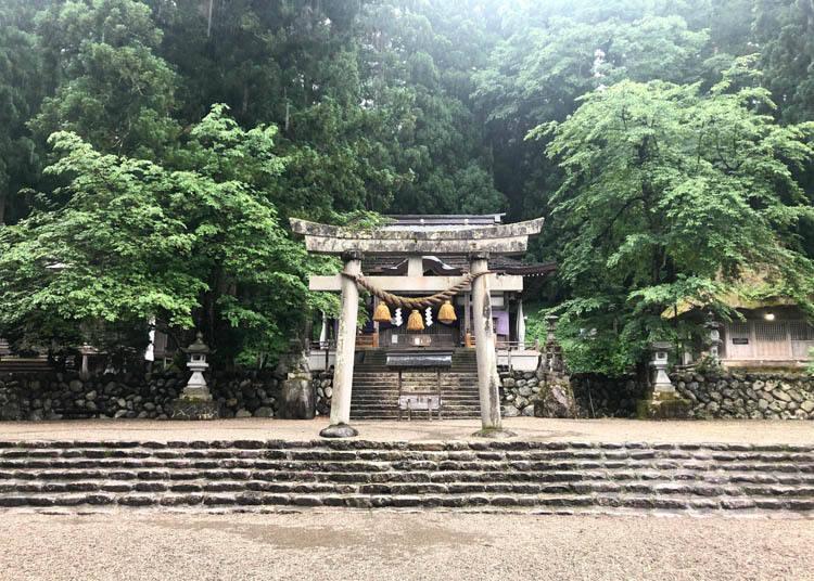 Shirakawa Hachiman Shrine: Host of the Quirky Doburoku Festival
