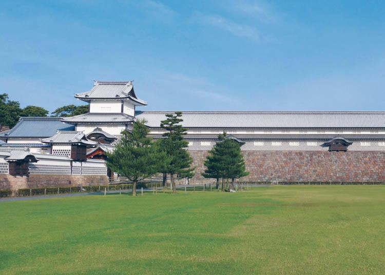 3. Kanazawa Castle Park – Take a Stroll in an Ancient Castle District!