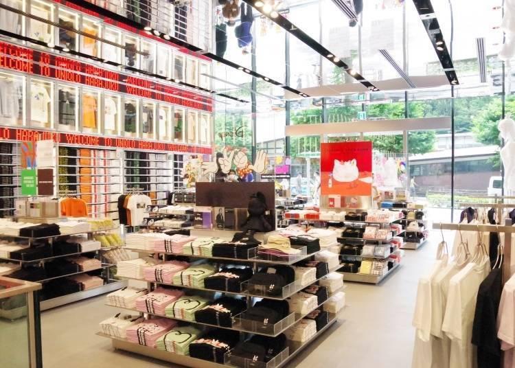 原宿UNIQLO【1楼】:「UT POP OUT」展示着许多最新潮流的商品