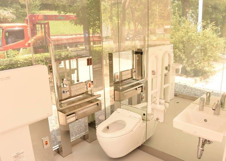 '다양성을 포용할 수 있는 사회 구현'을 목적으로 누구나 쾌적하게 이용할 수 있는 화장실을