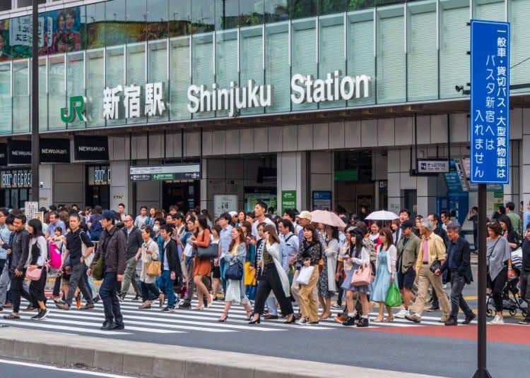 車站內部構造超複雜且人潮洶湧匆忙!