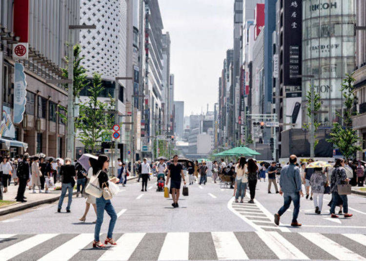 19. Enjoy strolling around the streets and shopping at Ginza
