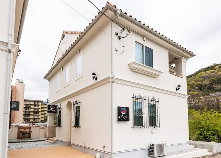 3. MEIBI Hakone Yumoto: Relax in a Beautiful, New Japanese-style Villa!