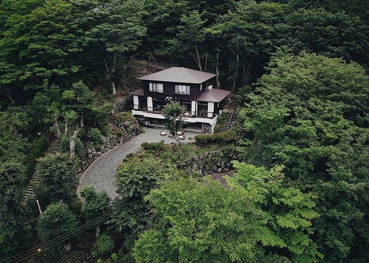 3. 温馨山中小屋让人流连忘返「箱根星空之丘」