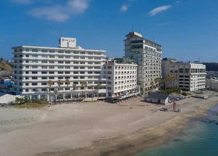 3.絶景を眺めながらゆったりリラックス「勝浦ホテル三日月」