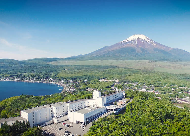 3. Hotel Mount Fuji: Enjoy the tranquil scenery of Japan's famous mountain and Lake Yamanaka