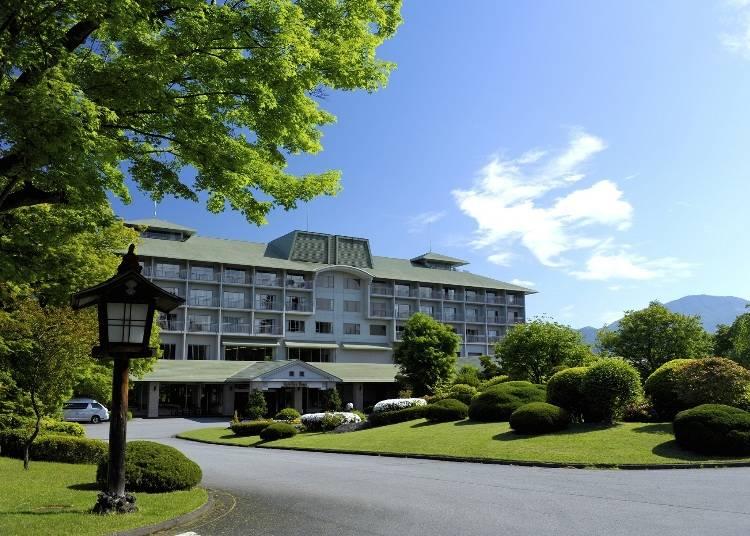 1.さまざまな富士山の表情を約10万平方メートルの敷地から眺められる「富士ビューホテル」