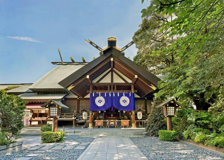 【東京大神宮】恋愛運アップのご利益を授かりに、たくさんの女性たちが参拝する神社