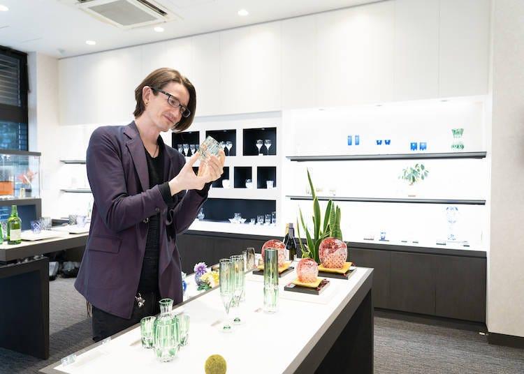 從酒杯到花卉擺設,提供多樣化功能性產品