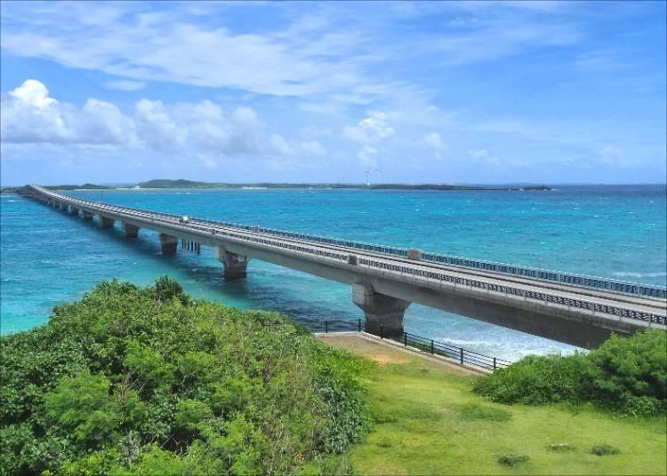 沖縄のビーチリゾートで極楽気分を味わいたい!