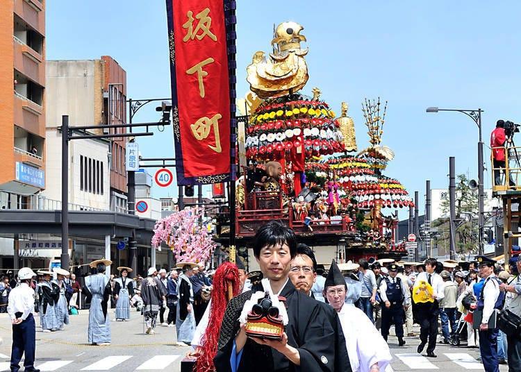다카오카 미쿠루마야마 축제