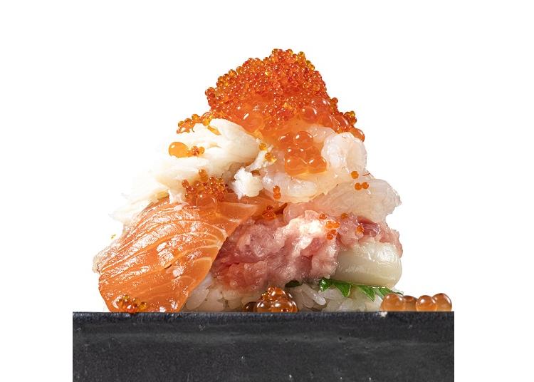 爆盛りのインパクトがスゴイ!人気回転寿司の「豪華新作メニュー」まとめ