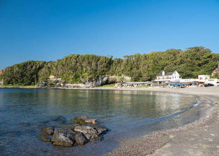 3.三浦半島トップクラスの透明度!プライべート感あふれる「荒井浜海水浴場」
