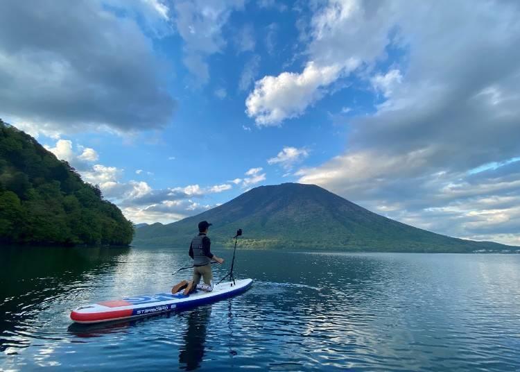 輕艇遊湖和SUP立式划槳,樂遊動感新體驗