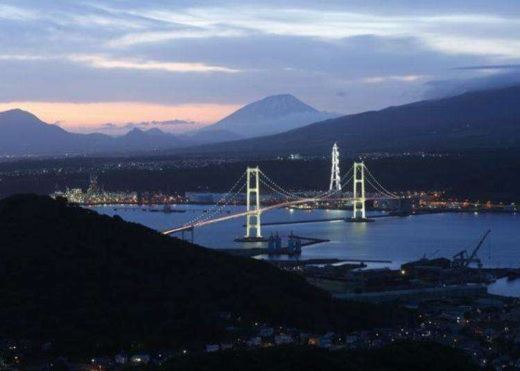 Muroran Hokkaido Driving Course: Breathtaking Views of Cape Chikyu and the '8 Views of Muroran'!