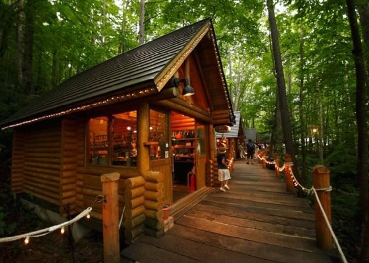 富良野、美瑛推薦景點⑤童話森林內的手工藝品小木屋「森林精靈陽台」