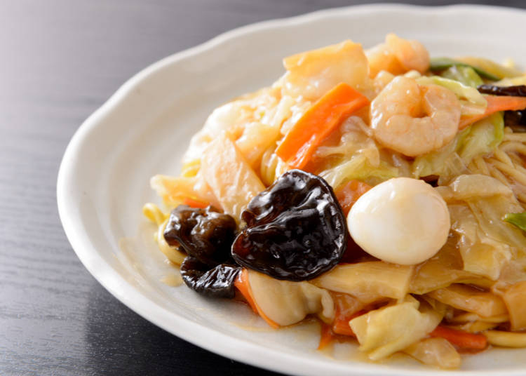 2. Ankake yakisoba (Fried noodles with thick sauce)