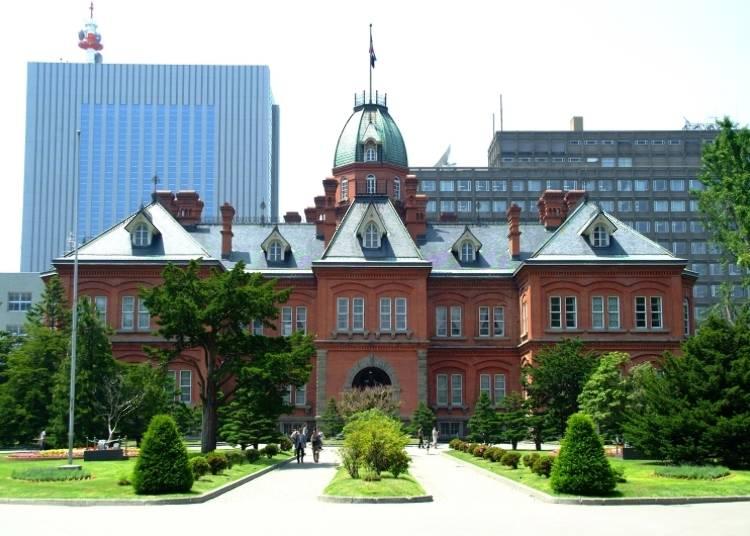【北海道札幌觀光景點2】日本重要文化財,以「北海道廳舊本廳舍」的紅磚建築為背景拍張美美的照片