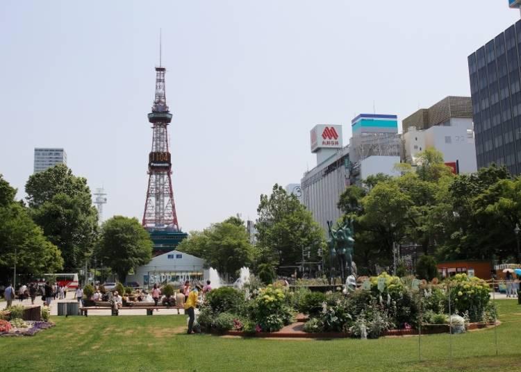 【北海道札幌觀光景點4】在札幌地標「札幌電視塔」的展望台留下一張美好的紀念照、享受當地才有的美食饗宴