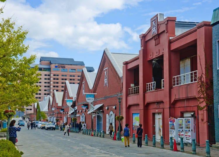 到函館的觀光景點「金森紅磚倉庫」裡尋找伴手禮