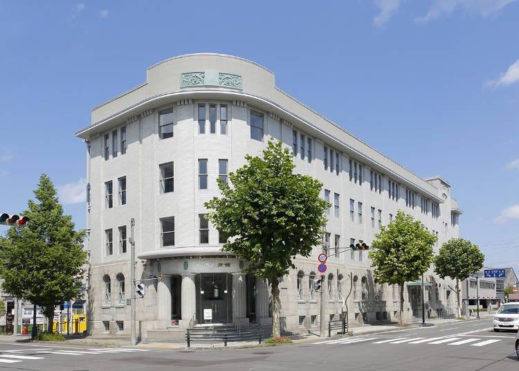 在见证了辉煌时代的建筑里欣赏艺术品!「小樽艺术村」
