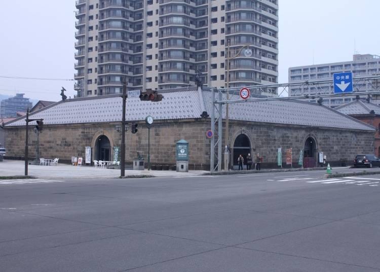 2)街巡りの前にまずは「小樽市観光物産プラザ」で情報収集を