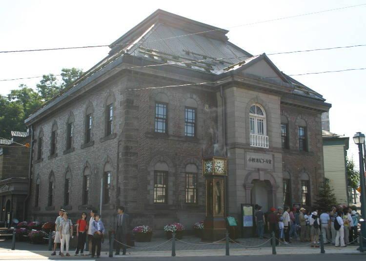 メルヘンな世界でお土産選びを「小樽オルゴール堂 本館」