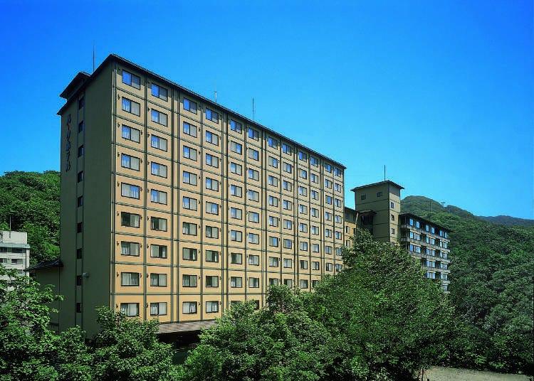 就在源泉之上「名汤の宿 パークホテル 雅亭 (Park Hotel Miyabitei)」