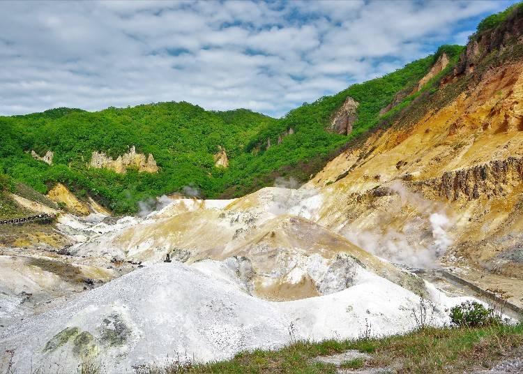 登別溫泉觀光景點①「登別地獄谷」感受從火山口遺跡湧出的溫泉魄力!