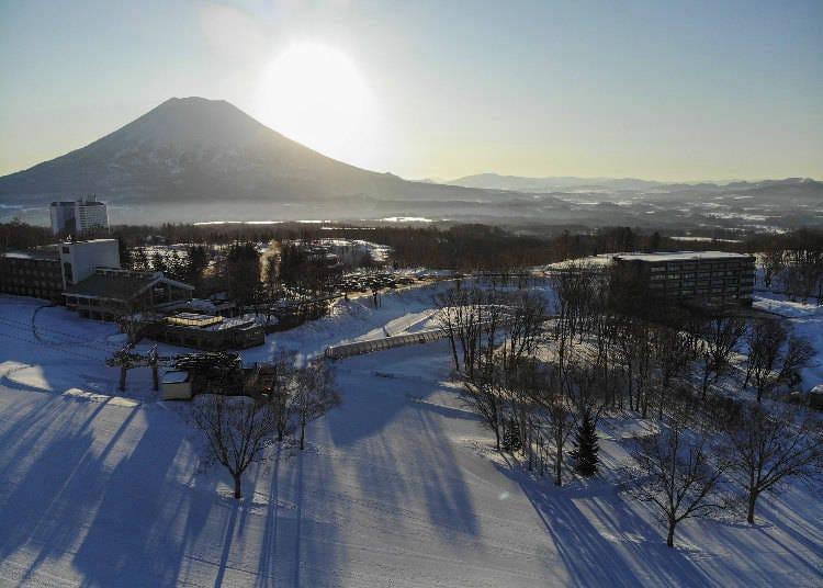 1) '니세코 HANAZONO 리조트'는 홋카이도 내의 최대의 지형 공원(Terrain park)을 가진 곳이다