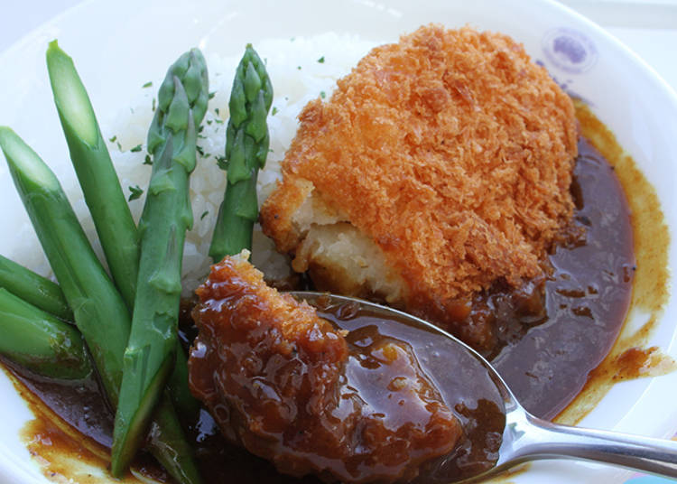 Many Lunch Time Only Dishes! The Seasonal Vegetables Croquette Curry is Popular