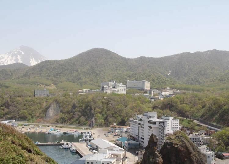 10. Utoro Onsen: Hot-spring paradise where you can enjoy the nature of Shiretoko