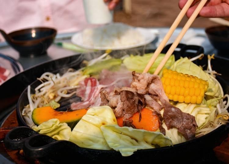 홋카이도에서는 꽃놀이를 할 때 주로 '징기스칸'을 먹는다!