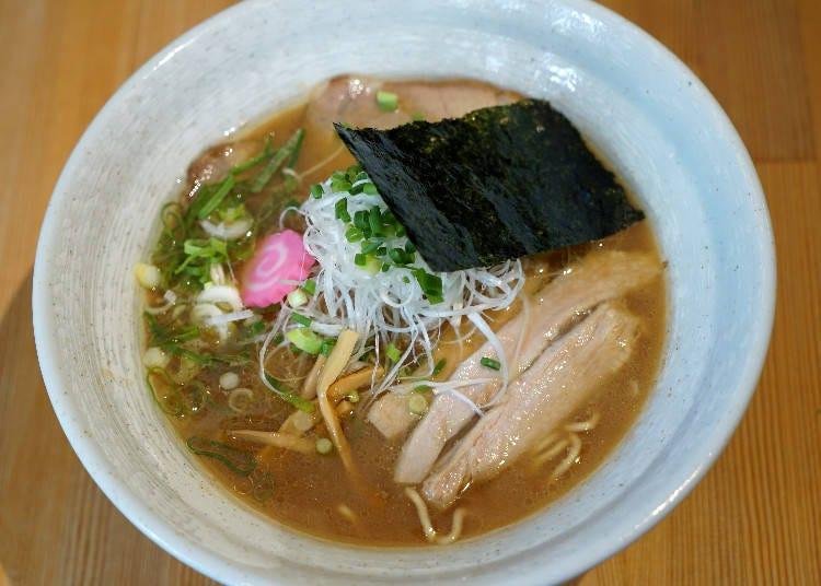 小樽拉麵、燴炒麵推薦①麻horo:將上等天然食材的味道通通濃縮在一起的拉麵