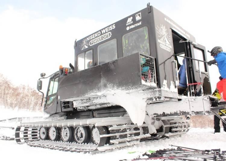 ■乘上漆黑帅气的「CAT 压雪车」出发咯!
