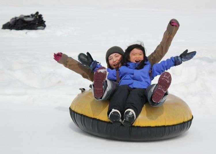 从小孩到大人,在二世谷里都能尽情享受冬季雪上活动