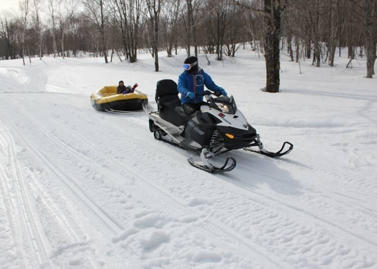 ■超乎想像的速度感!二世谷村雪上泛舟。