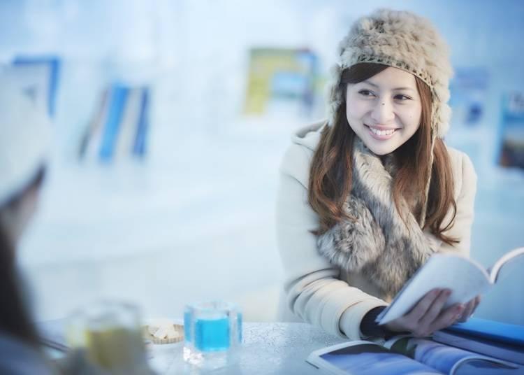 ■暖炉のあるキラキラした空間でくつろげる「氷のBooks&Café」