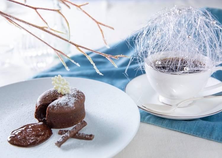 Enjoy a superb view and exclusive foods at 'Tenbou café'