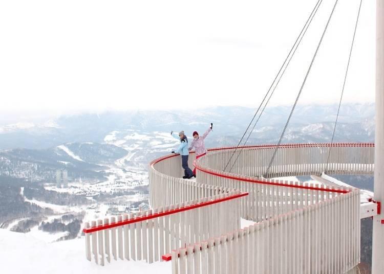 標高1088公尺的空中散步「Cloud walk」