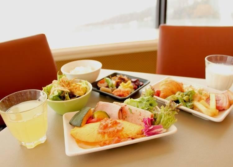 ■「プラチナム(Platinum)」位于度假村Tomamu最高层,可以一边欣赏绝景一边享用早餐
