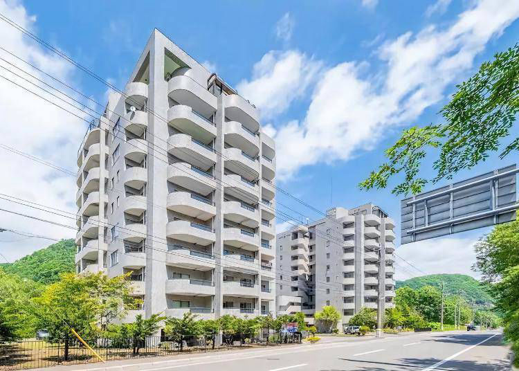 1. Clockless JZNK - Stylish Long Term Accommodation with a Top Floor Onsen!