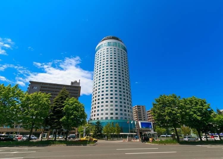 6) 삿포로 프린스 호텔 : 숙박자만 즐길 수 있는 천장이 개방된 노천탕에서 피로회복