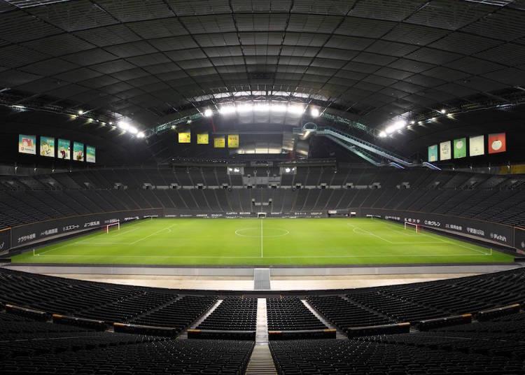 日本初の完全屋内型天然芝スタジアム