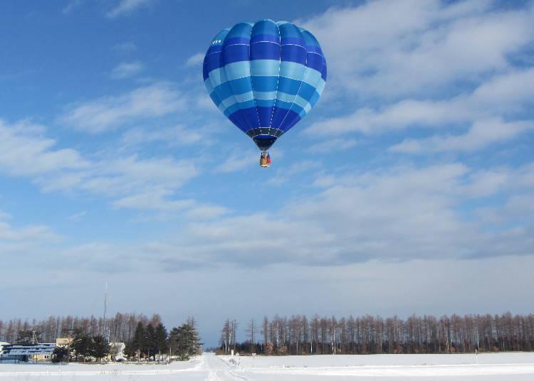 5. 從高空向下俯瞰一望無際的流冰景觀「熱氣球自由飛行之旅」