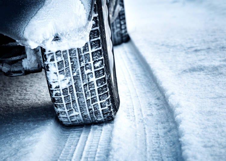 北海道の冬道でよく起こる現象は?