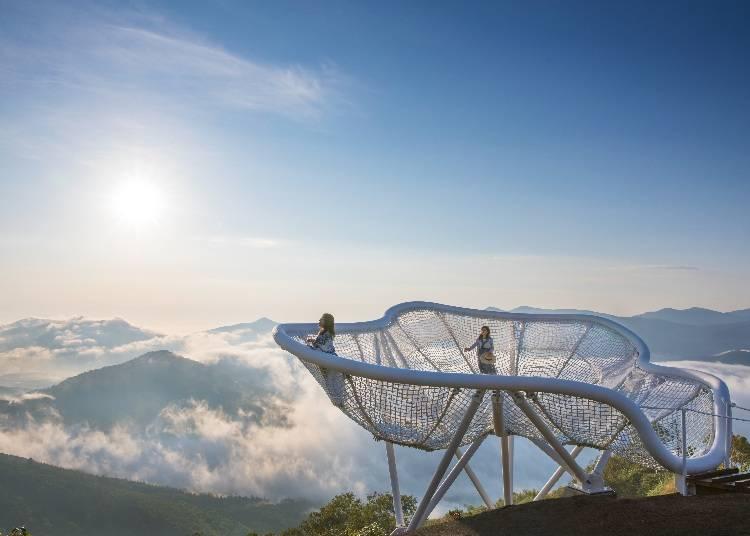2.雲海を楽しみ尽くす「星野リゾート トマム 雲海テラス」(占冠村)