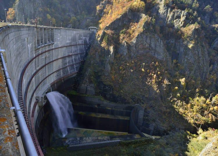 ■16. 호헤이쿄댐의 방수 장면을 놓치지 마라